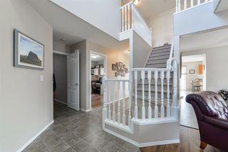 Photo 3: 3303 32 Avenue in Edmonton: Zone 30 House for sale : MLS®# E4143055