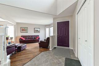 Photo 2: 3303 32 Avenue in Edmonton: Zone 30 House for sale : MLS®# E4143055