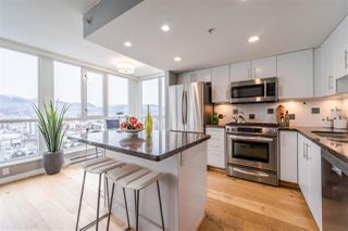 """Photo 5: 1901 120 MILROSS Avenue in Vancouver: Mount Pleasant VE Condo for sale in """"THE BRIGHTON"""" (Vancouver East)  : MLS®# R2341532"""