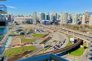"Photo 15: 1901 120 MILROSS Avenue in Vancouver: Mount Pleasant VE Condo for sale in ""THE BRIGHTON"" (Vancouver East)  : MLS®# R2341532"