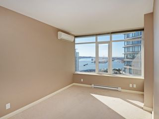 "Photo 13: 2701 892 CARNARVON Street in New Westminster: Downtown NW Condo for sale in ""Azure II"" : MLS®# R2345911"