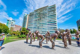 """Photo 2: 1201 1835 MORTON Avenue in Vancouver: West End VW Condo for sale in """"OCEAN TOWERS"""" (Vancouver West)  : MLS®# R2351386"""