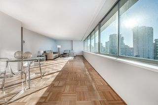 """Photo 8: 1201 1835 MORTON Avenue in Vancouver: West End VW Condo for sale in """"OCEAN TOWERS"""" (Vancouver West)  : MLS®# R2351386"""