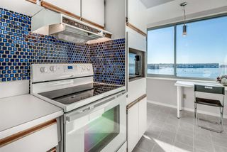 """Photo 11: 1201 1835 MORTON Avenue in Vancouver: West End VW Condo for sale in """"OCEAN TOWERS"""" (Vancouver West)  : MLS®# R2351386"""