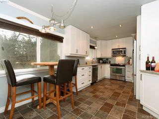 Photo 5: 521 Atkins Avenue in VICTORIA: La Atkins Single Family Detached for sale (Langford)  : MLS®# 407373