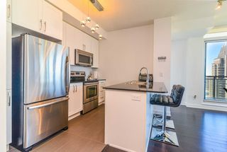 Photo 5: 3409 4070 Confederation Parkway in Mississauga: City Centre Condo for sale : MLS®# W4403158