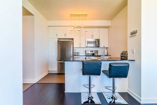 Photo 6: 3409 4070 Confederation Parkway in Mississauga: City Centre Condo for sale : MLS®# W4403158