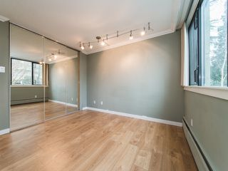 "Photo 11: 204 1740 COMOX Street in Vancouver: West End VW Condo for sale in ""THE SANDPIPER"" (Vancouver West)  : MLS®# R2357743"