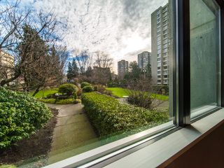 "Photo 3: 204 1740 COMOX Street in Vancouver: West End VW Condo for sale in ""THE SANDPIPER"" (Vancouver West)  : MLS®# R2357743"