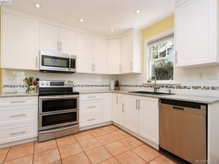 Photo 7: 4296 Torquay Drive in VICTORIA: SE Lambrick Park Half Duplex for sale (Saanich East)  : MLS®# 410156