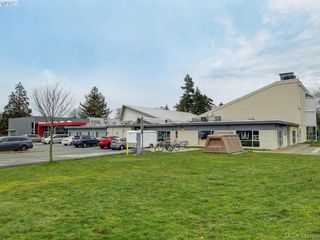 Photo 18: 4296 Torquay Drive in VICTORIA: SE Lambrick Park Half Duplex for sale (Saanich East)  : MLS®# 410156