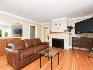 Photo 4: 4296 Torquay Drive in VICTORIA: SE Lambrick Park Half Duplex for sale (Saanich East)  : MLS®# 410156