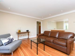 Photo 3: 4296 Torquay Drive in VICTORIA: SE Lambrick Park Half Duplex for sale (Saanich East)  : MLS®# 410156