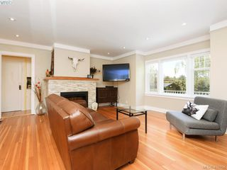Photo 2: 4296 Torquay Drive in VICTORIA: SE Lambrick Park Half Duplex for sale (Saanich East)  : MLS®# 410156