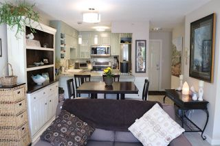 "Photo 3: 202 703 GIBSONS Way in Gibsons: Gibsons & Area Condo for sale in ""HILL CREST PLAZA"" (Sunshine Coast)  : MLS®# R2368847"