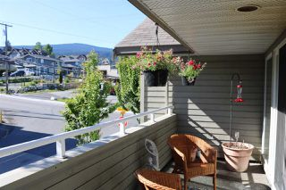 "Photo 12: 202 703 GIBSONS Way in Gibsons: Gibsons & Area Condo for sale in ""HILL CREST PLAZA"" (Sunshine Coast)  : MLS®# R2368847"