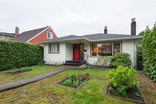 Main Photo: 2568 E 4TH Avenue in Vancouver: Renfrew VE House for sale (Vancouver East)  : MLS®# R2369736