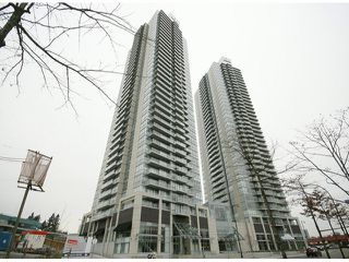 Photo 2: 2106 9981 WHALLEY Boulevard in Surrey: Whalley Condo for sale (North Surrey)  : MLS®# R2381088