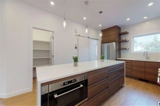Photo 10: 10713 129 Street NW in Edmonton: Zone 07 House for sale : MLS®# E4164613
