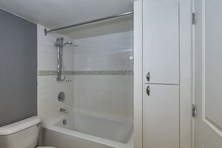 """Photo 12: 305 715 ROYAL Avenue in New Westminster: Uptown NW Condo for sale in """"VISTA ROYAL"""" : MLS®# R2420614"""
