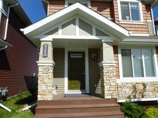 Photo 2: 520 EBBERS Way in Edmonton: Zone 02 House for sale : MLS®# E4198125