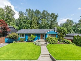 Photo 1: 3262 FAIRMONT ROAD in North Vancouver: Edgemont House for sale : MLS®# R2465183