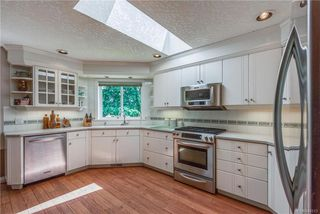 Photo 6: 2477 Prospector Way in Langford: La Florence Lake Single Family Detached for sale : MLS®# 844513