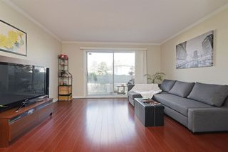 "Photo 2: 302 2055 SUFFOLK Avenue in Port Coquitlam: Glenwood PQ Condo for sale in ""SUFFOLK MANOR"" : MLS®# R2482608"
