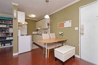 "Photo 8: 302 2055 SUFFOLK Avenue in Port Coquitlam: Glenwood PQ Condo for sale in ""SUFFOLK MANOR"" : MLS®# R2482608"