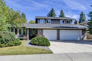 Photo 1: 916 LAKE PLACID Drive SE in Calgary: Lake Bonavista Detached for sale : MLS®# A1029823