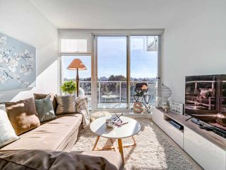 """Photo 5: 706 2221 E 30TH Avenue in Vancouver: Victoria VE Condo for sale in """"KENSINGTON GARDENS BY WESTBANK"""" (Vancouver East)  : MLS®# R2511988"""