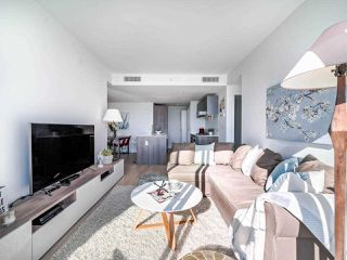 """Photo 8: 706 2221 E 30TH Avenue in Vancouver: Victoria VE Condo for sale in """"KENSINGTON GARDENS BY WESTBANK"""" (Vancouver East)  : MLS®# R2511988"""