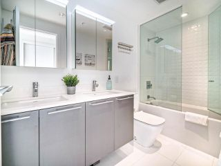 """Photo 26: 706 2221 E 30TH Avenue in Vancouver: Victoria VE Condo for sale in """"KENSINGTON GARDENS BY WESTBANK"""" (Vancouver East)  : MLS®# R2511988"""