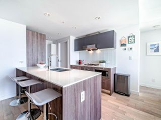 """Photo 15: 706 2221 E 30TH Avenue in Vancouver: Victoria VE Condo for sale in """"KENSINGTON GARDENS BY WESTBANK"""" (Vancouver East)  : MLS®# R2511988"""