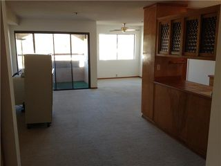 Photo 7: PACIFIC BEACH Condo for sale : 2 bedrooms : 1225 Pacific Beach Drive #4b in San Diego