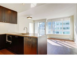 "Photo 8: 707 821 CAMBIE Street in Vancouver: Downtown VW Condo for sale in ""Raffles"" (Vancouver West)  : MLS®# V1044457"