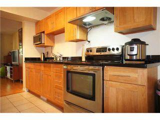 """Photo 2: 2749 ELLERSLIE Avenue in Burnaby: Montecito Townhouse for sale in """"CREEKSIDE"""" (Burnaby North)  : MLS®# V1065071"""