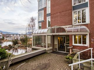 "Photo 20: 201 1551 MARINER Walk in Vancouver: False Creek Condo for sale in ""LAGOONS"" (Vancouver West)  : MLS®# V1098962"