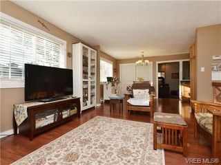 Photo 3: 4146 Interurban Rd in VICTORIA: SW Strawberry Vale Single Family Detached for sale (Saanich West)  : MLS®# 692903