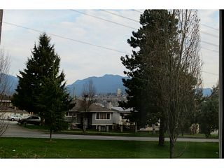 "Photo 4: 3128 E 1ST Avenue in Vancouver: Renfrew VE House for sale in ""RENFREW"" (Vancouver East)  : MLS®# V1108136"