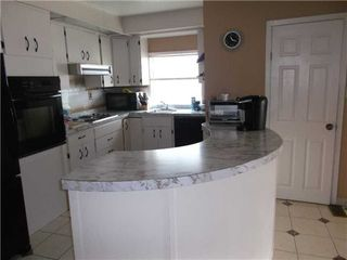 Photo 5: 651 Beach Street in Mississauga: House (1 1/2 Storey) for sale : MLS®# W3200061