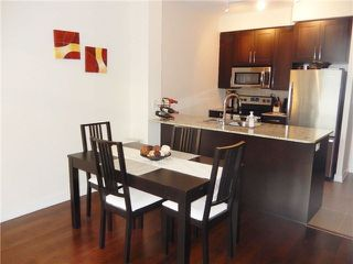 Photo 10: 207 4070 Confederation Parkway in Mississauga: City Centre Condo for sale : MLS®# W3283555