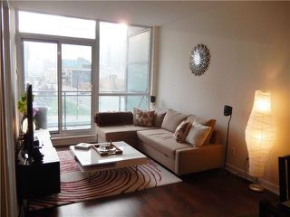 Photo 7: 207 4070 Confederation Parkway in Mississauga: City Centre Condo for sale : MLS®# W3283555