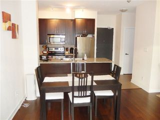 Photo 9: 207 4070 Confederation Parkway in Mississauga: City Centre Condo for sale : MLS®# W3283555