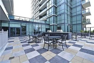 Photo 4: 207 4070 Confederation Parkway in Mississauga: City Centre Condo for sale : MLS®# W3283555