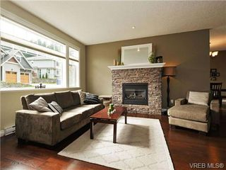 Photo 2: 760 Hanbury Pl in VICTORIA: Hi Bear Mountain House for sale (Highlands)  : MLS®# 714020