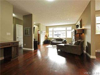 Photo 6: 760 Hanbury Pl in VICTORIA: Hi Bear Mountain House for sale (Highlands)  : MLS®# 714020