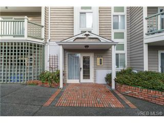 Photo 3: 202 720 Vancouver St in VICTORIA: Vi Fairfield West Condo for sale (Victoria)  : MLS®# 718470
