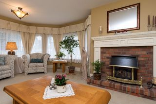 """Photo 4: 6209 125 Street in Surrey: Panorama Ridge House for sale in """"Boundary Park"""" : MLS®# R2036006"""