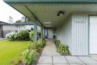 "Photo 3: 19864 48A Avenue in Langley: Langley City House for sale in ""Mason Heights Area"" : MLS®# R2086596"